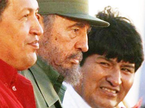 """Propagandă comunistă la Muzeul Țăranului Român.     Propagandă comunistă TOTB sub   Fidel Castro declarat Erou Mondial al   A renunţat TSD la Che Guevara?   """"După execuție, trupul lui Che a fost legat de un elicopter și dus departe, ca un Iisus Hristos modern, murind din nou pentru umanitate."""""""