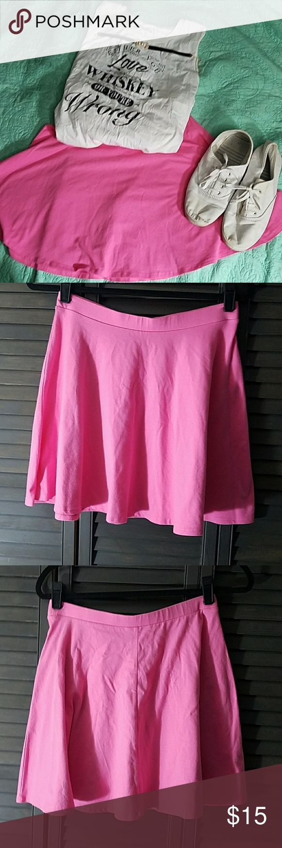 """Cute Hot Pink Skater Skirt Cute Hot Pink Skater skirt. In great used condition with no signs of wear. Waistband is 14.5"""" unstretched laying flat. Length is 16"""". Forever 21 Skirts"""