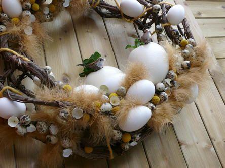 Veel eieren op de paaskrans