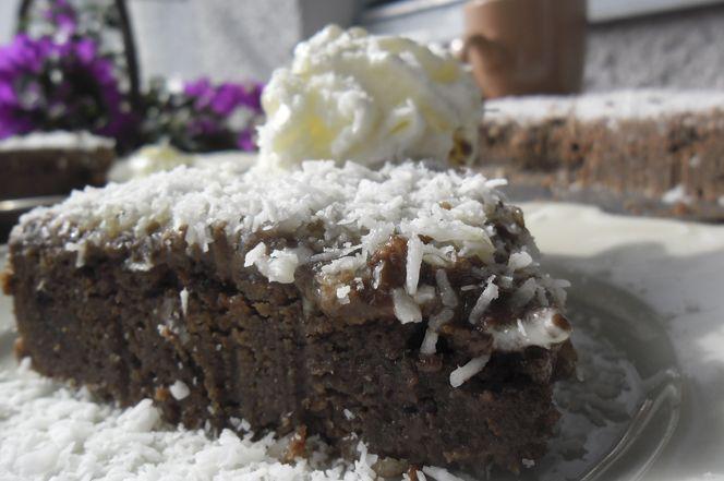 Kärleksmums | Kung Markatta - kungen av ekologiskt Kärleksmums - en klassisk kaka, men här bakad med mandel- och kokosmjöl.