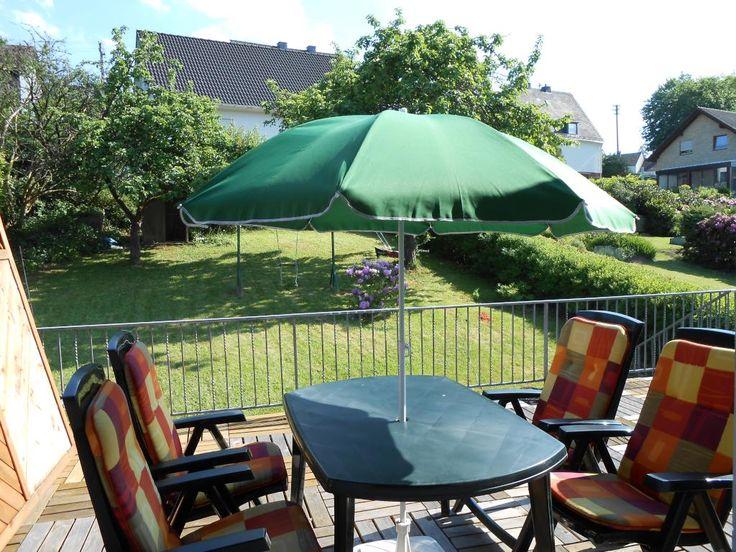 25 best ideas about sonnenschirm balkon on pinterest. Black Bedroom Furniture Sets. Home Design Ideas