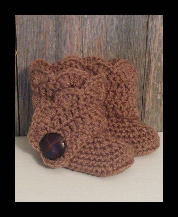 Crochet Baby Ugg Boots  Brown Baby Uggs  Baby Girl by MamaTCrafts