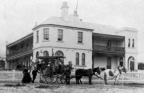 Tolls Hotel - Wentworth Falls. This one burnt down in 1932.