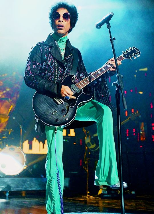Prince performs at the Billboard Music Awards at the MGM Grand Garden arena in Las Vegas, NV., May 19, 2013.