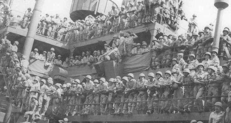 Brazilian soldiers on the way to Italy (1944)