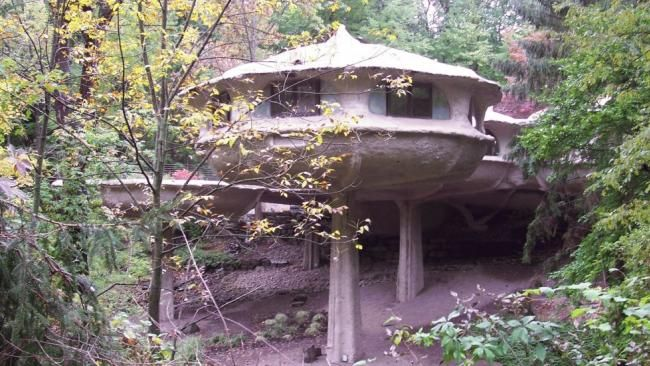The Pod House in Perinton, NY World's Most Bizarre Houses (PHOTOS) - weather.com