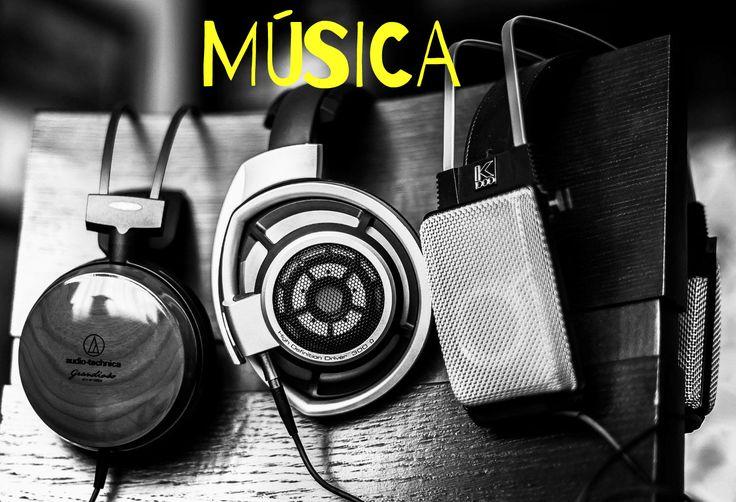 Me encanta escuchar música, a todas horas. No tengo un género favorito específico, pero de ser así me gusta mucho el rock.