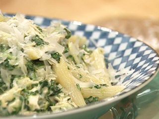 This was one of Rachel Ray's top 10 most downloaded recipes.  Spinach, artichoke and chicken penne.