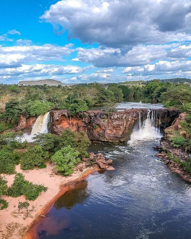 Essa E A Cachoeira Do Prata Localizada Dentro Da Area Do Parque