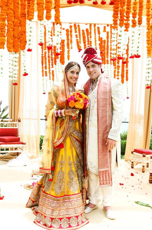 www.amouraffairs.in #AmourAffairs #birdal #bride #lehenga #indian #marriage #wedding #desistyle Multicultural Wedding, Indian Wedding, Red and Orange, Henna, Real Wedding, Donna Newman Photography || Colin Cowie Weddings