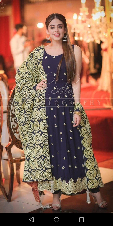 Yashma Gill Beautiful Dress Fashion New Style Suits Girls Dress Up
