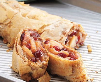 Apple cranberry strudel: Apple Cranberries Strudel, Sweet Treats, Fall ...