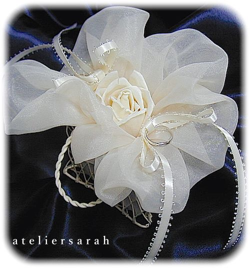 ateliersarah's ring pillow/Solar Flower and organdy