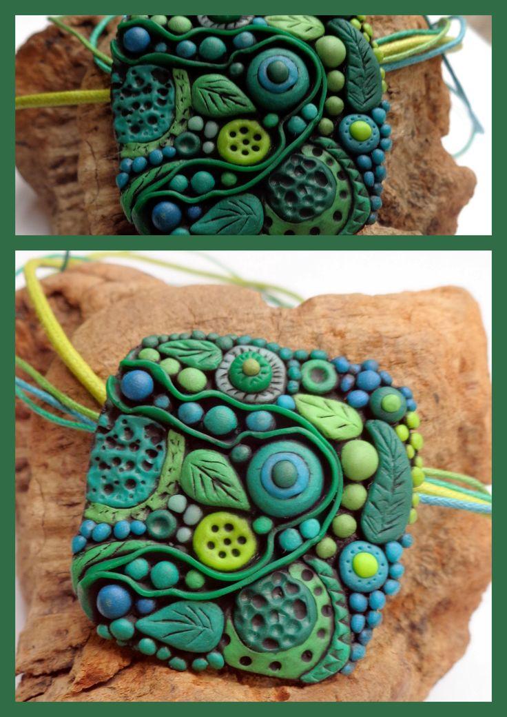 Ciondolo Green Simphony, realizzato per il progetto colori del gruppo Polymer Clay Italia, mese di Giugno. Giocando con il tutorial di Mandarin Moon.
