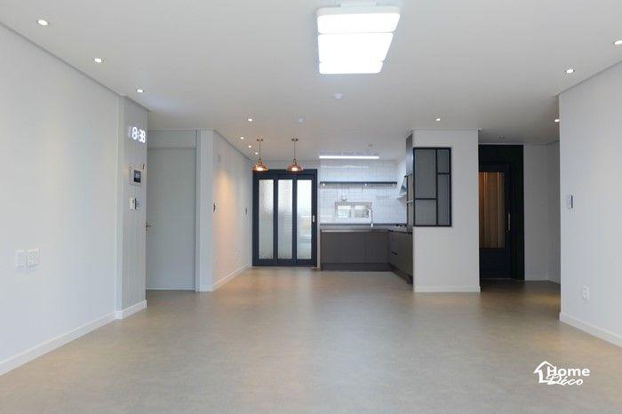 주방 베란다에 3연동 중문이 설치된 30평 아파트 주방리모델링 홈데코 인테리어 안녕하세요 홈데코 인테리 인테리어 아파트 거실 확장