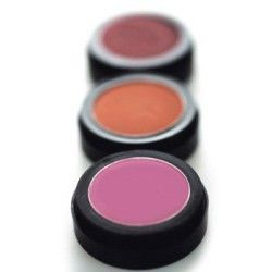 Different blusher for cheeks