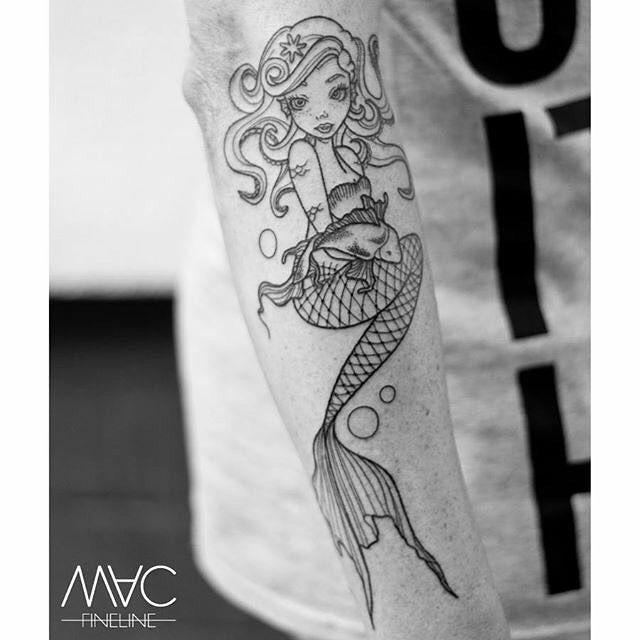 Linien sind geschafft #maritim #mermaid #meerjungfrau #arm #tattoo #tattoooftheday #macfineline #macfinelinetattoo #linework #lines #stilbruch #stilbruchtattoo #ink #inkedboy #inked #inkstagram by mac_fineline