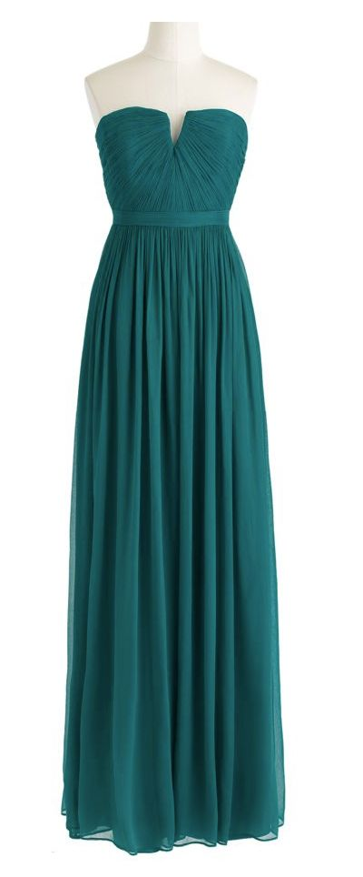 Emerald gown. Possible prom dress?? I think yes.