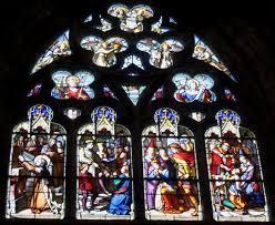 """La giffle de Pierre de Bretagne sur l'un des vitraux de la basilique de Guingamp. Bien avant la chaîne D8 et Joey Starr, il y a eu des baffes célèbres ! Certaines ont marqué leur époque, comme ce """"soufflet"""" que je relatais dans mon Histoire de Bretagne..."""