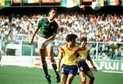 Rep of Ireland 0 Romania 0 in 1990 in Genoa. Tony Cascarino has a header that was saved in Round 2 #WorldCupFinals