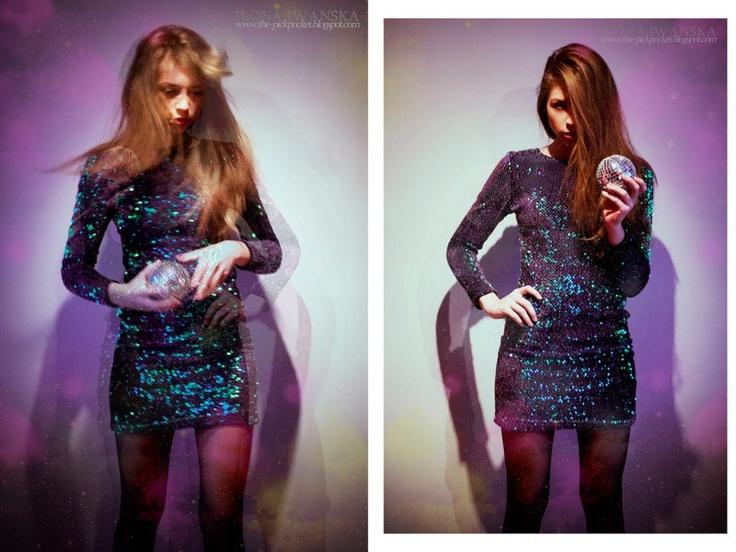 """Ilona z THE PICKPOCKET w naszej sukience """"Kolejna genialna kreacja od Motel Rocks, z butiku Bubba Gamp. Tym razem cała sukienka pokryta jest błyszczącymi cekinami, które fantastycznie mienią się w świetle, mieszanka wielu kolorów idealna na niezapomnianą noc. Wspaniała dla każdej szalonej, lubiącej wyróżniać się, imprezowiczki!"""" http://bubbagamp.pl/sklep/product.php?id_product=38"""