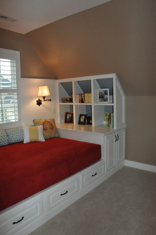 Nook: Guest Bedrooms, Attic Spaces, Spare Bedrooms, Kids Room, Ceilings Design, Upstairs Bedrooms, Reading Nooks, Bonus Room, Wall Design
