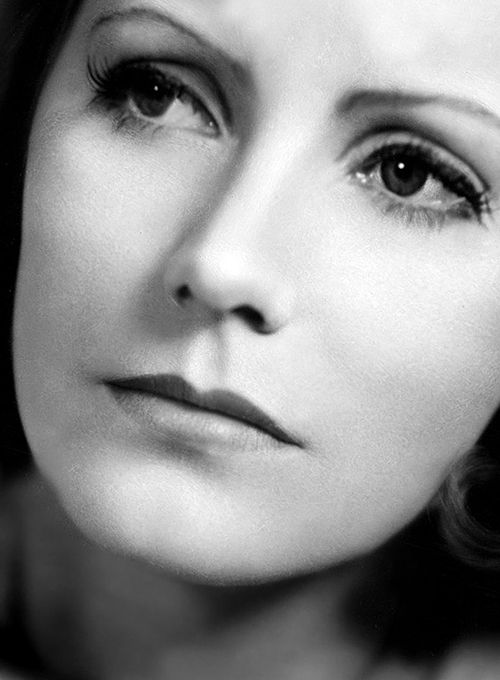 Love this shot of Greta Garbo photographed by Clarence Sinclair Bull.