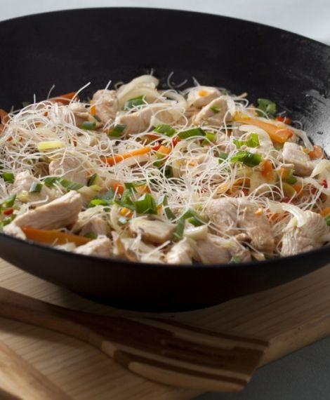 Fideos chinos con pollo y verduras. Recetas Express de LIDER