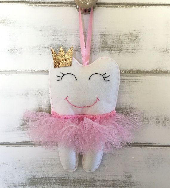 Personalisierte Tutu Zahnfee Kissen mit Glitter-Krone oder Bogen, wähle deine Farbe                                                                                                                                                      Mehr