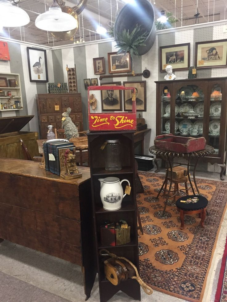 Antique Market Place (Greensboro, NC): House Of Commons Booth.
