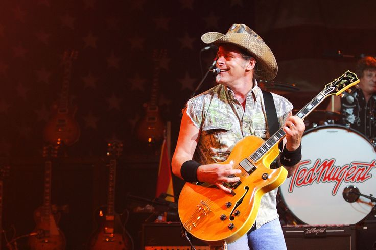 Former Pink Floyd front man Roger Waters has announced that he will go on tour with rocker and gun fanatic Ted Nugent, with Waters saying that Nugent's new