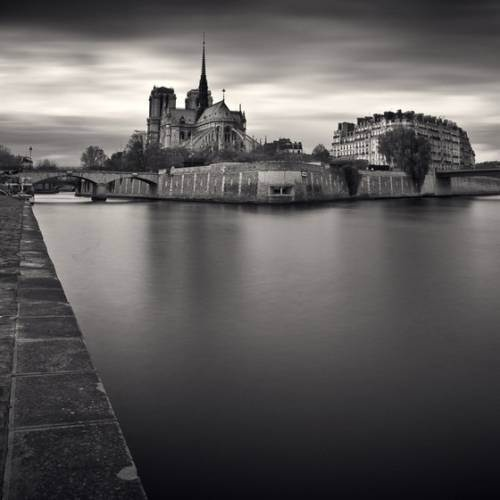 Paris Black And White : theBERRY