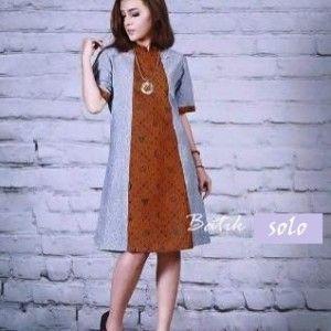 model dress batik terbaru dengan desain modern yang femininmembuat penampilan semakin cantik dan menaarik dapat dipakai sebagai dress batik pest