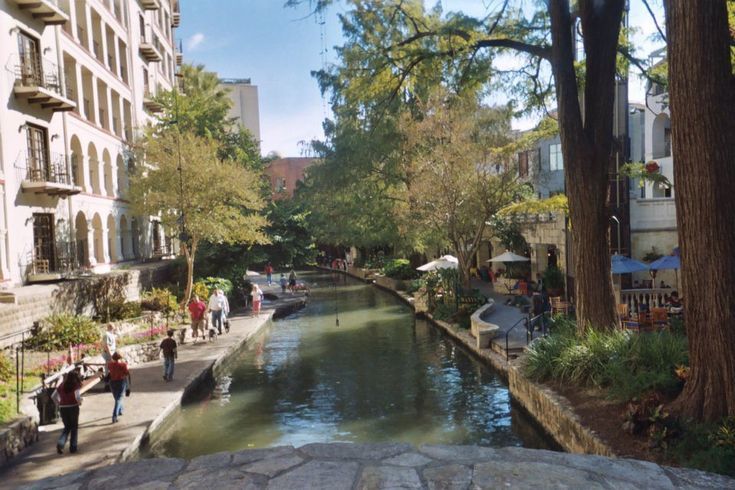 10 Cheap Weekend Getaways For Couples - Shown here:  The San Antonio River Walk, one of the most romantic weekend getaways for couples anywhere you'll find!