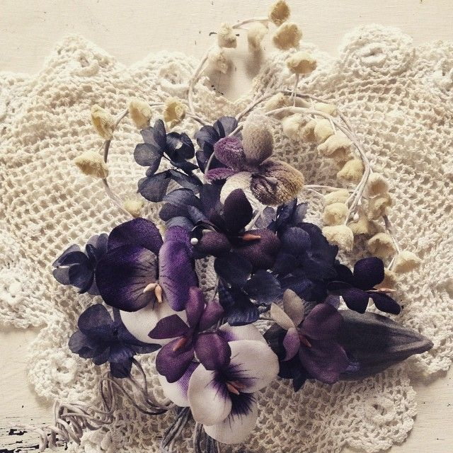 菫、パンジー、すずらん。  布で、つくる花。  #  #display#flower#handmade#Antique#Art#Photograph#Flowerarrangement#Interior #布花#菫#パンジー#鈴蘭#花束#フラワーアレンジメント#アンティーク#飾り#インテリア#ハンドメイド#作品#手仕事