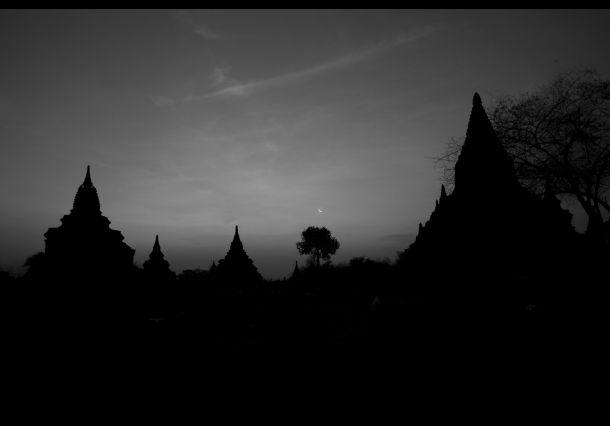A Bagan Morning. Doe mee aan de National Geographic Fotowedstrijd 2013 en maak kans op een prachtige verre reis!