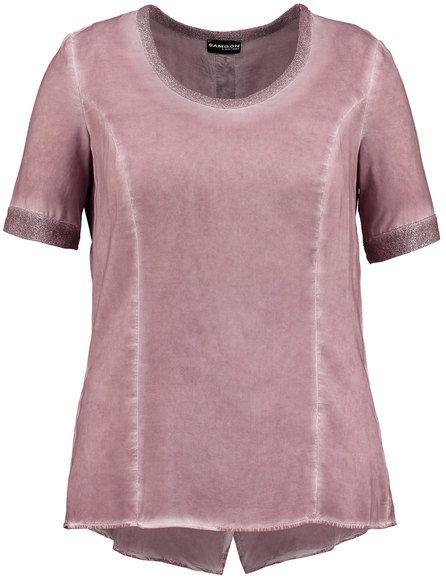 Vloeiende lange blouse in trendy gebatikte look! Relaxede stijl met gestemde Lurex brei aan de ronde hals en korte mouw, sluiting op de rug, prinses n... Bekijk op http://www.grotematenwebshop.nl/product/casual-blouse-shirt/