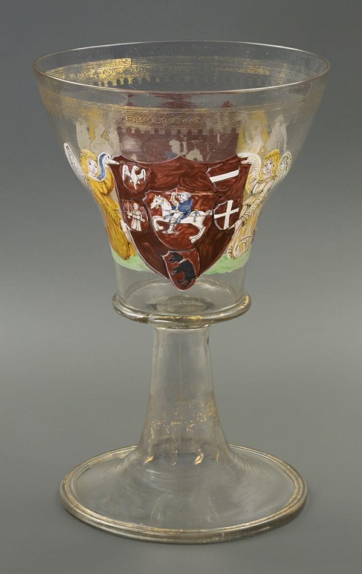 Aleksandro Jogailaičio (1461–1506) taurė, 1501–1502. Collegium Maius, Jogailos universiteto muziejus, Krokuva. / Glass goblet of Alexander Jagiellon (1461–1506), 1501–1502. Jagiellonian University Museum – Collegium Maius, Cracow.