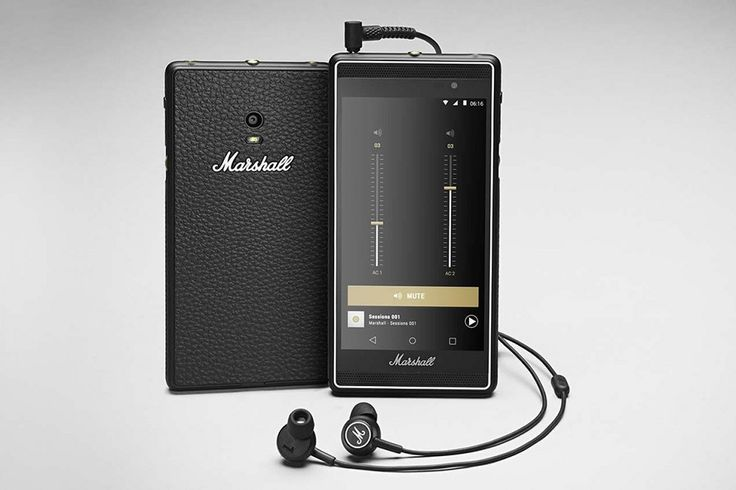 Smartphone London by Marshall