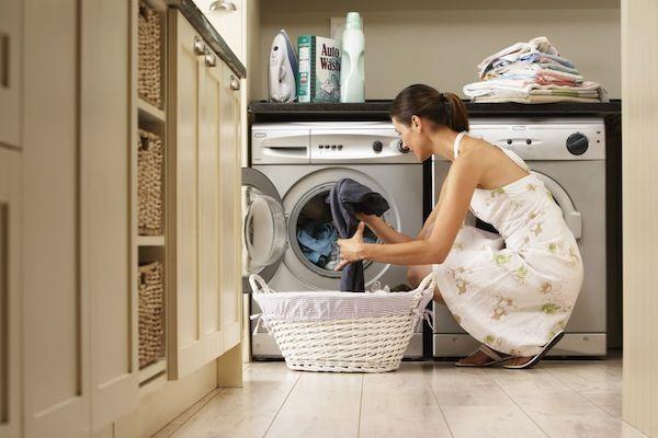 Cum alegi cea mai buna masina de spalat ? Ce caracteristici are o masina de spalat haine buna?..Masina de spalat rufeeste unul dintre cele mai importante..