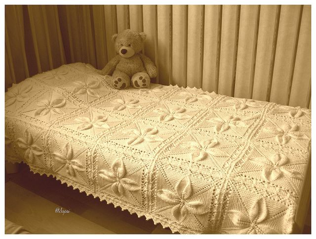 Leaf Bedspread Knitting Pattern : 1000+ images about Knitting Counterpanes on Pinterest