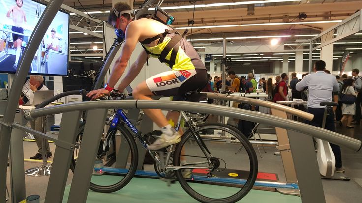 Cycling performance analysis with #cosmedk5. Demo test on a treadmill at h/p/cosmos sports & medical gmbh booth during #ecss2017