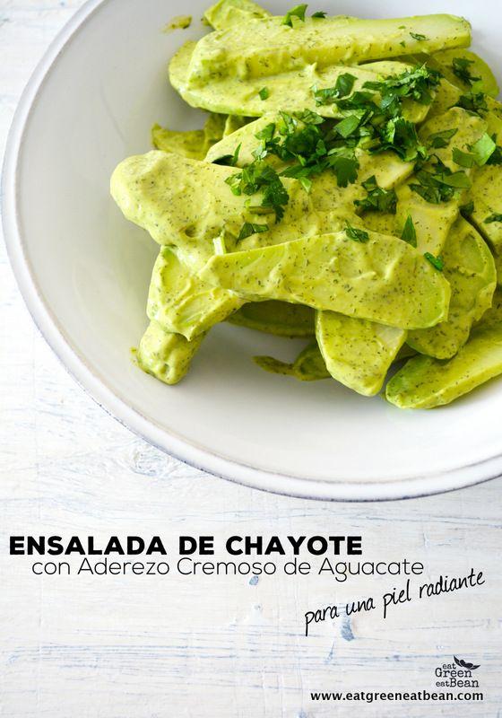 Ensalada de Chayote con Aderezo de Aguacate y Eneldo para una Piel Radiante