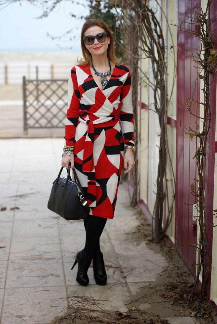 Diane Von Furstenberg wrap dress, wrap dress, Givenchy Antigona bag, Fashion and Cookies, fashion blogger
