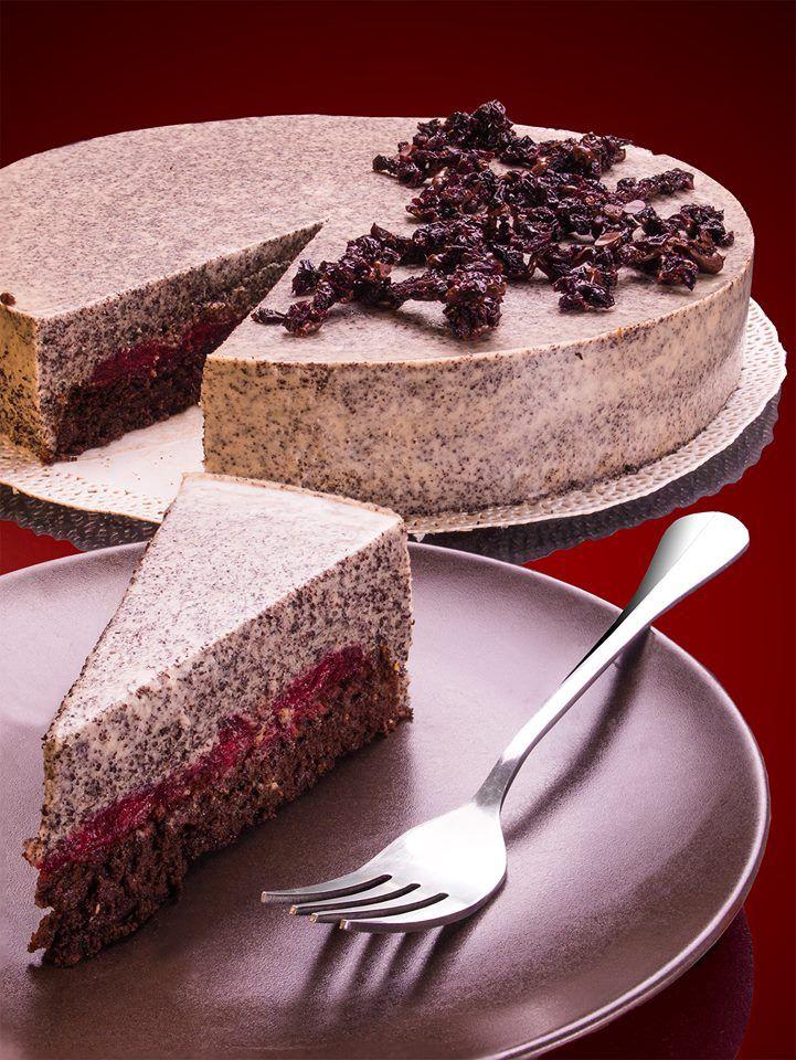 Meggyes mákmousse torta céklával