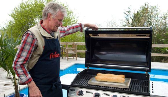 Sådan bager du det perfekte brød – på grillen   Søndagsavisen