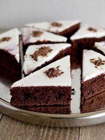 Obrázek z Recept - Čokoládové řezy z červené řepy