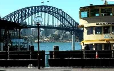 Sydney Walking Tour - Circular Quay to Hyde Park
