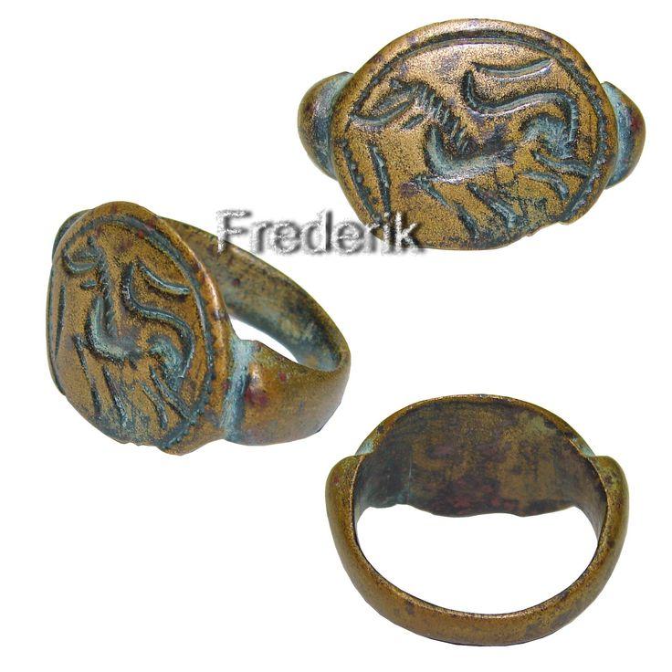 Rare Greko-Baktrian Bronze ring with Horse.
