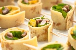 Canape peking duck hors d 39 oeuvres pinterest for Canape hors d oeuvres difference
